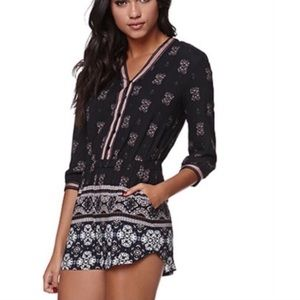 Kendall & Kylie Black Printed Button Down Romper